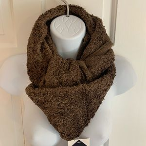 NWT mountain hardwear infinity scarf brownie
